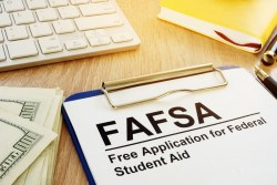 Three FAFSA Tips to Help Surprise AZ Taxpayers Get Their High School Grads Ready for College